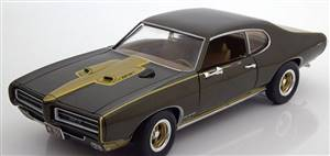 Pontiac GTO Royal Bobcat Edition 1969 darkgreen-metallic/golden